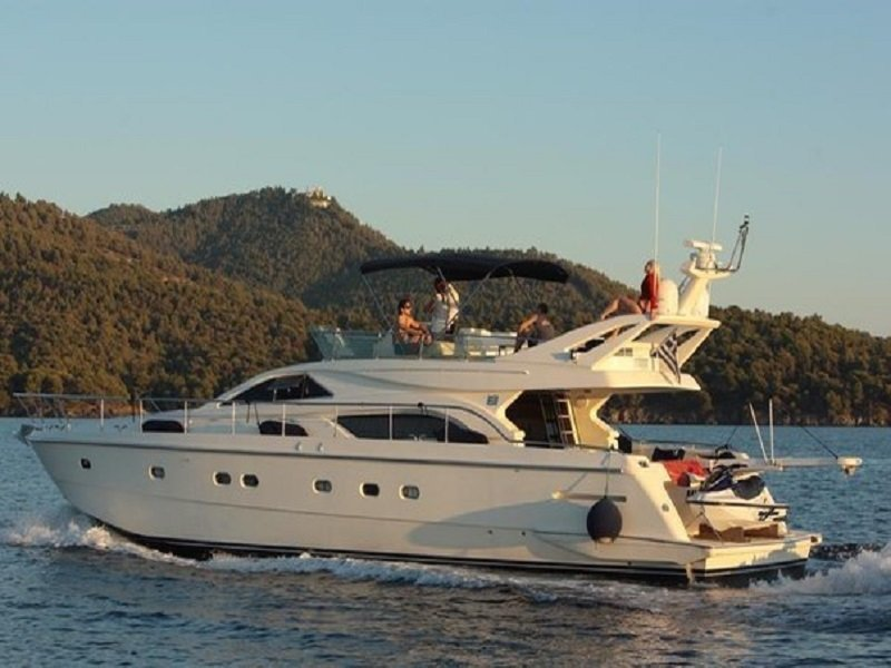 "ЯХТА КЛАССА ""VIP"" FERRETTI 57 ""SEA BEAUTY"""